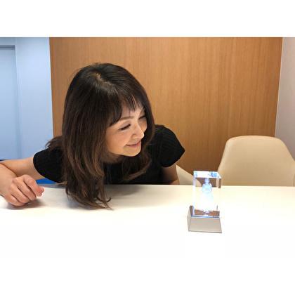 石川ひとみデビュー40周年記念3Dクリスタルフィギュア